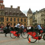 the dance of cycling performs on the V'LILLE bikes